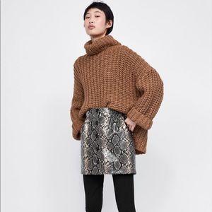 Zara button front snake skin skirt size M